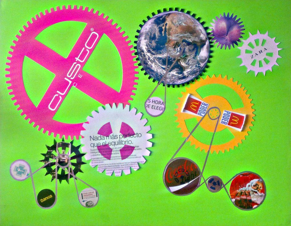 Los engranajes que mueven el consumo, collage de etiquetas de cocacola, vaso de McDonalds, fotografía de la nasa, folletos de banco